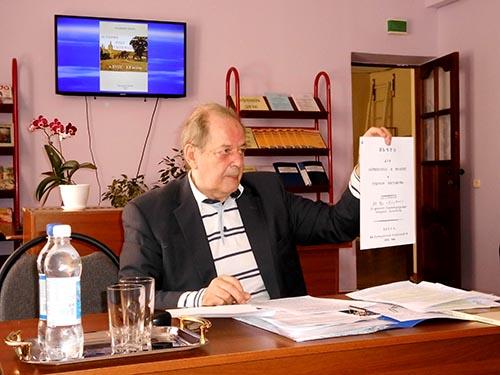 глава города Карачева Ю.
